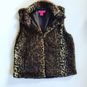 BETSEY JOHNSON Leopard Faux Fur Vest